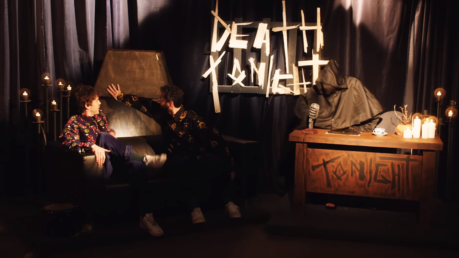 video clip mgmt me and michael soundarts. Black Bedroom Furniture Sets. Home Design Ideas