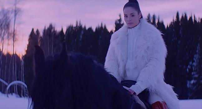 Νέο Music Video | Nina Nesbitt – Is It Really Me You're Missing