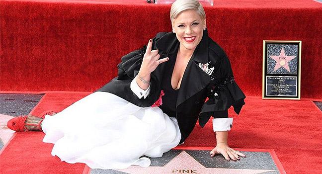 News | Η P!nk απέκτησε το δικό της αστέρι στο Hollywood Walk Of Fame